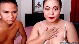 Asian amateur shore up steady webcam dusting