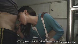 Asian girl Tomomi Matsuda is walking with reference to the city with pulsing egg in her panties