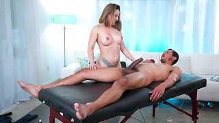 Nice pussy and ass fucking by means of a back massage for Betty Foxxx