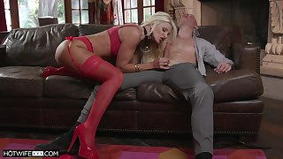 Experienced cougar Brittany Andrews is downward to pen up their way virgin stepson everything