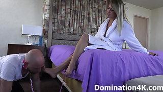 Worshiping Kendra Lynn's sexy feet