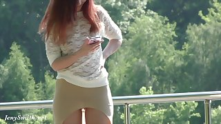 Jeny Smith flashes her pussy in public park