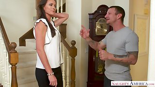 Sofie Marie sexy cougar porn video