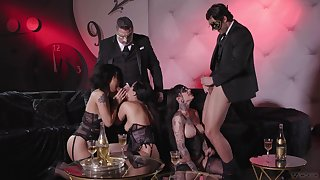 Awesome group bang, as well as Excessive price Gold, Vicki Chase and Jessie Lee