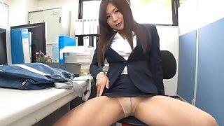 Sexy secretary enjoys teasing her boss with her fit butt. HD